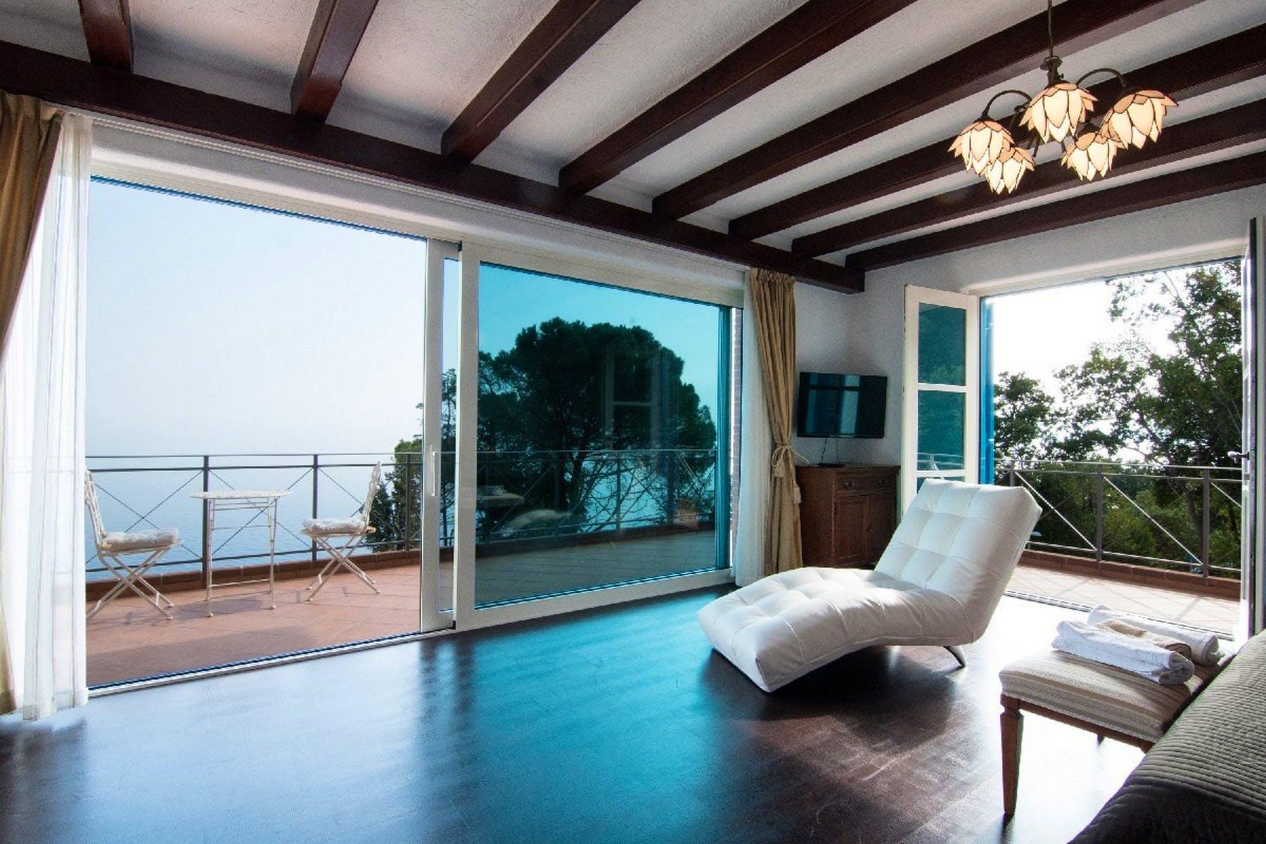 Veliki balkon s pogledom na more