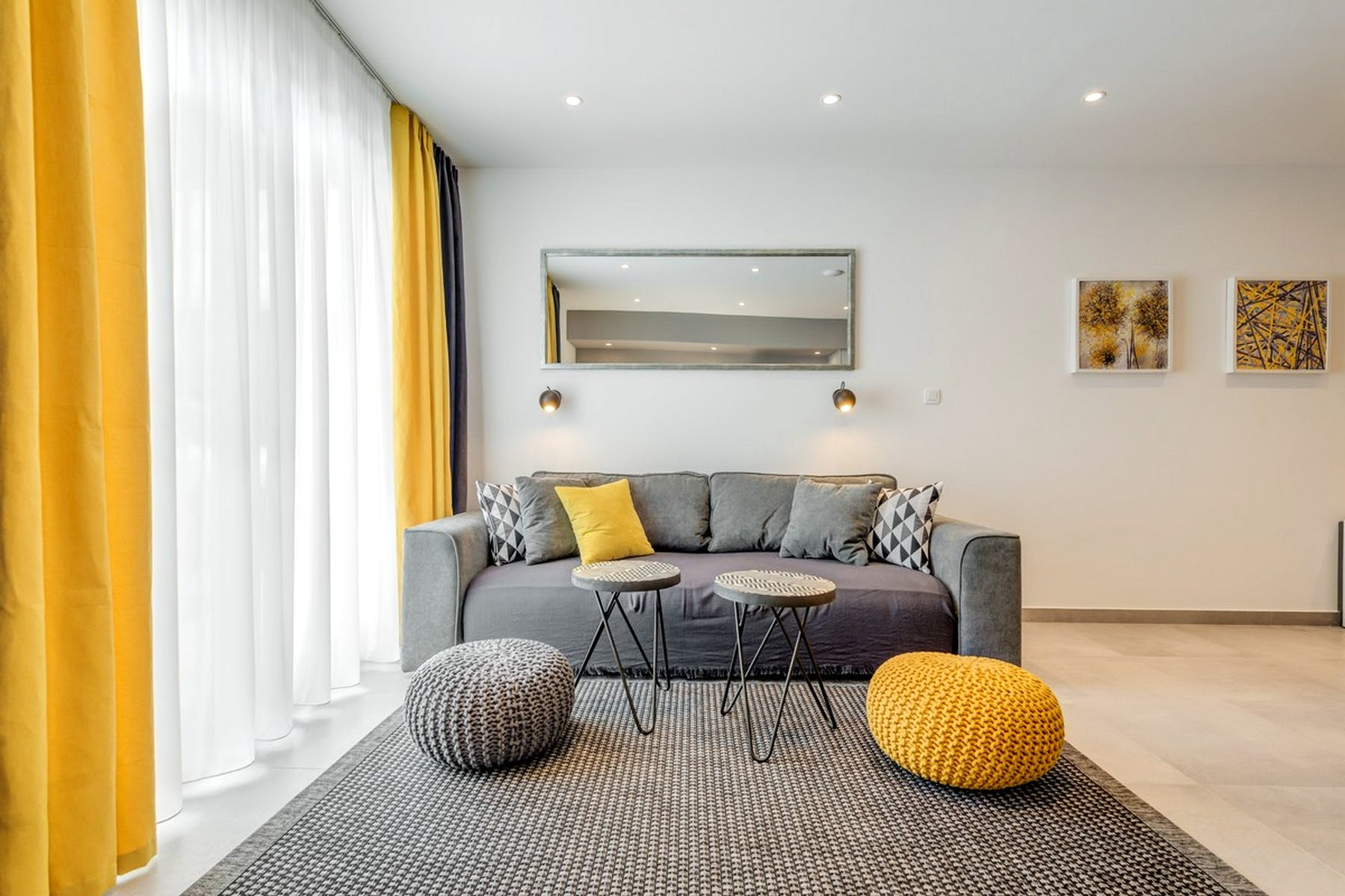 A combination of neutral and vivid tones for a tastefully designed living area