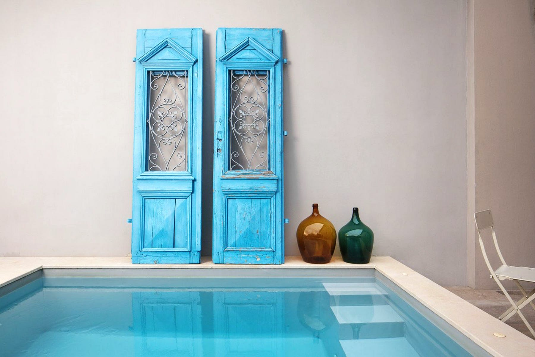 Decor of the pool