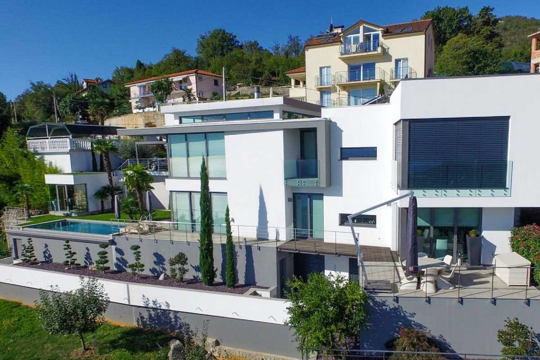 Modern design as a prime quality of the villa
