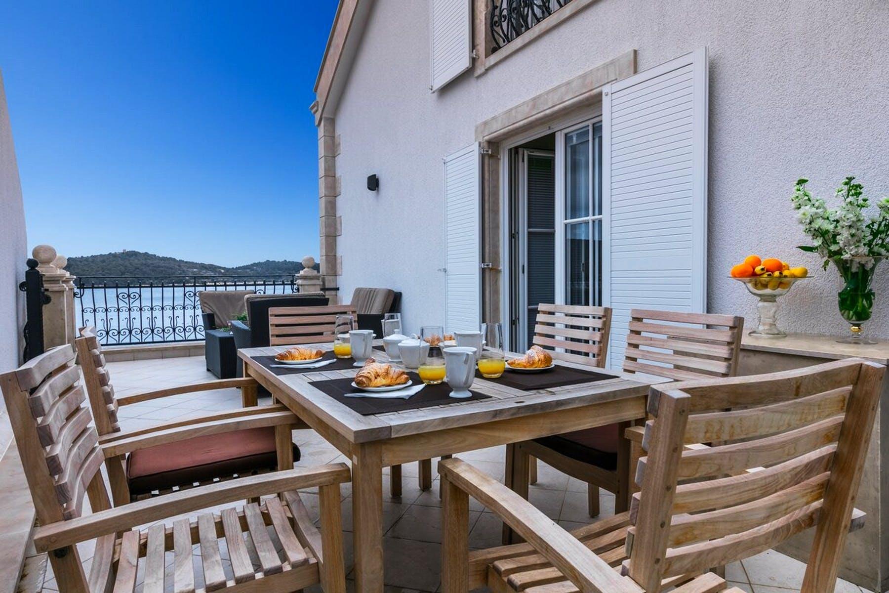 Terasa idealna za doručak s pogledom