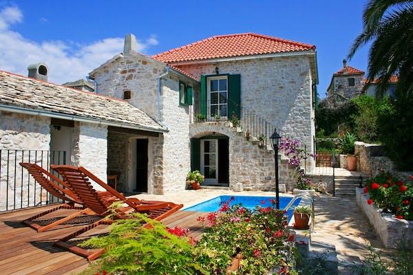 Beautifull stone villa from the 19th century