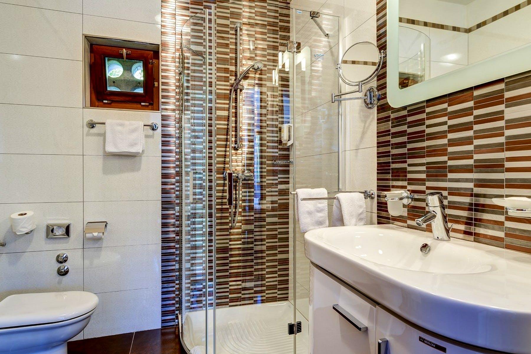 Velika kupaonica na tavanu