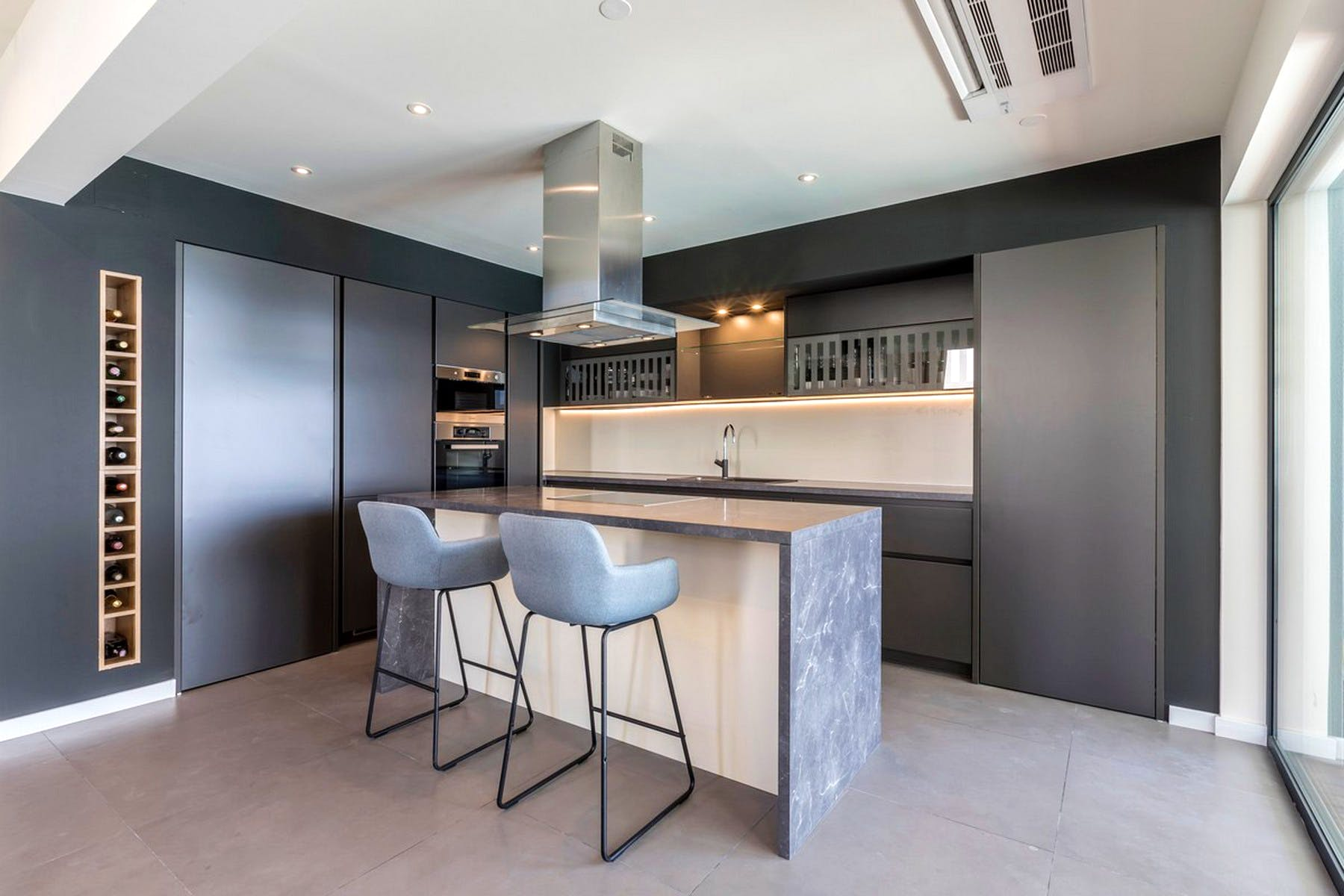 Modernly equipped kitchen