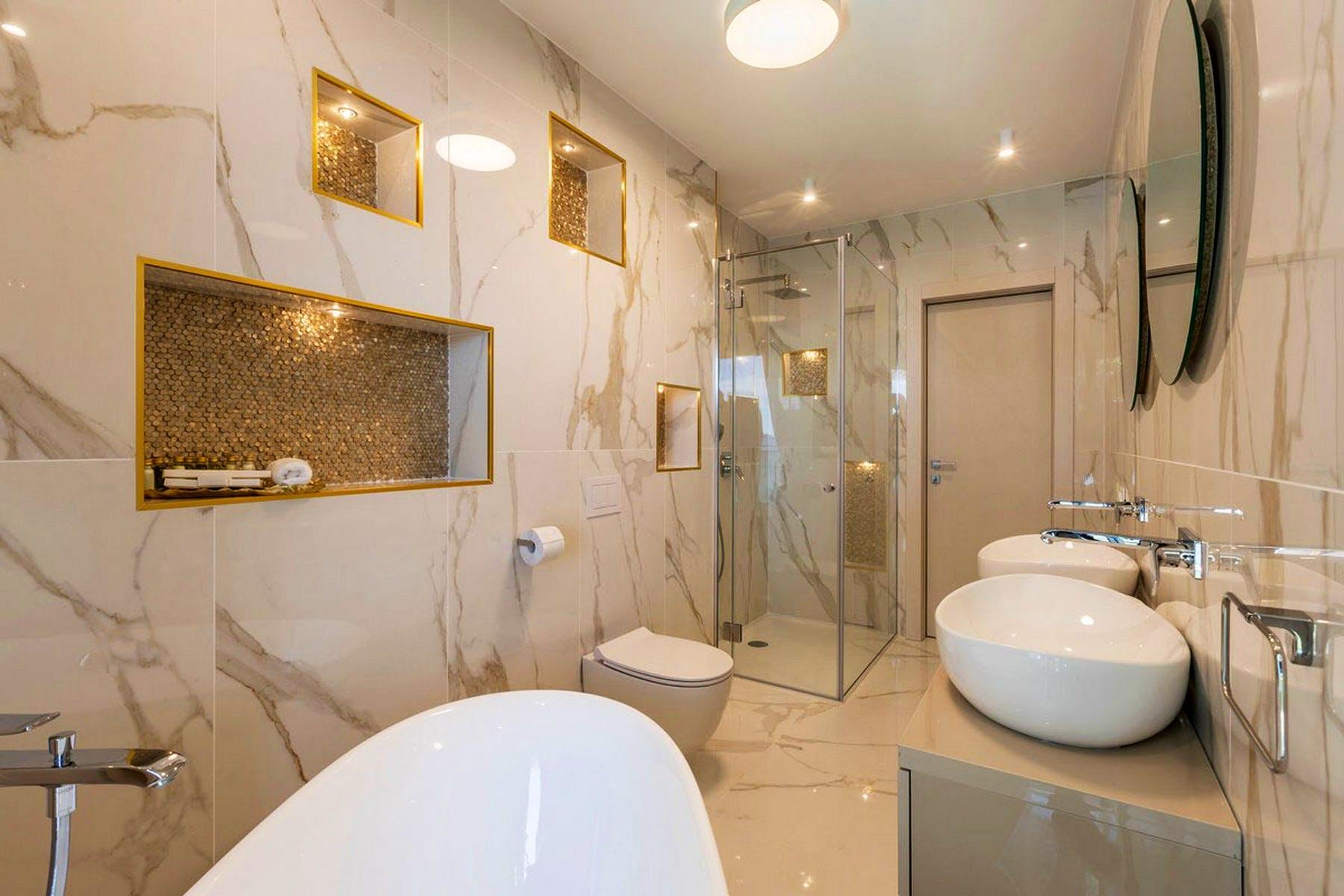 High-end decor of the bathroom