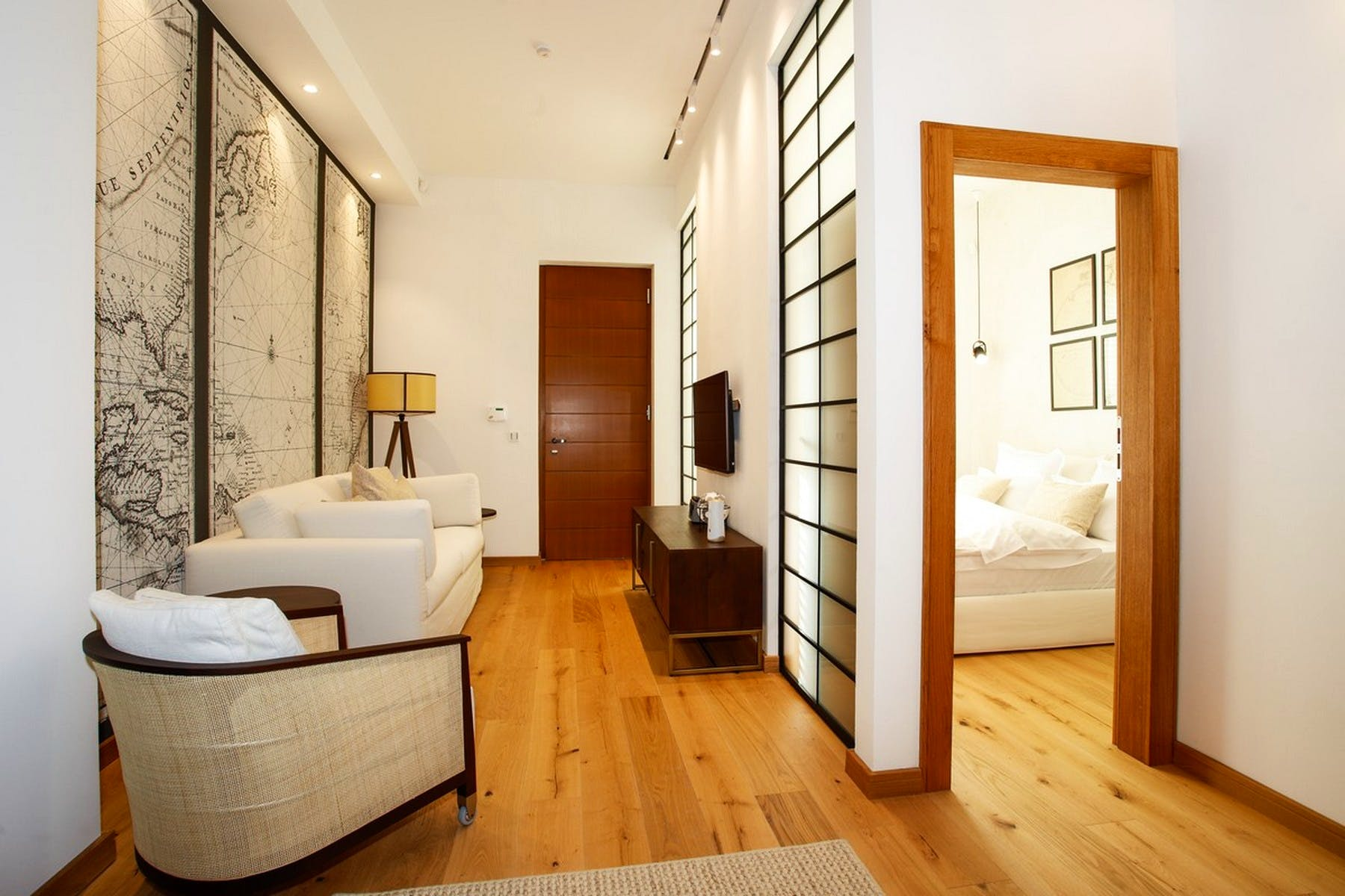 Entrance area to the bedroom