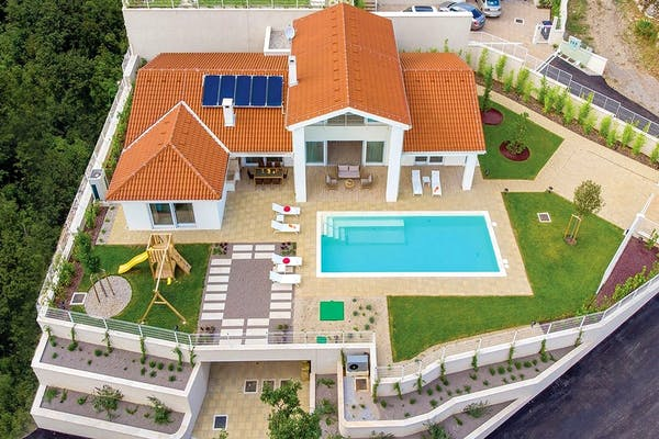 Pogled na nekretninu iz zračne perspektive
