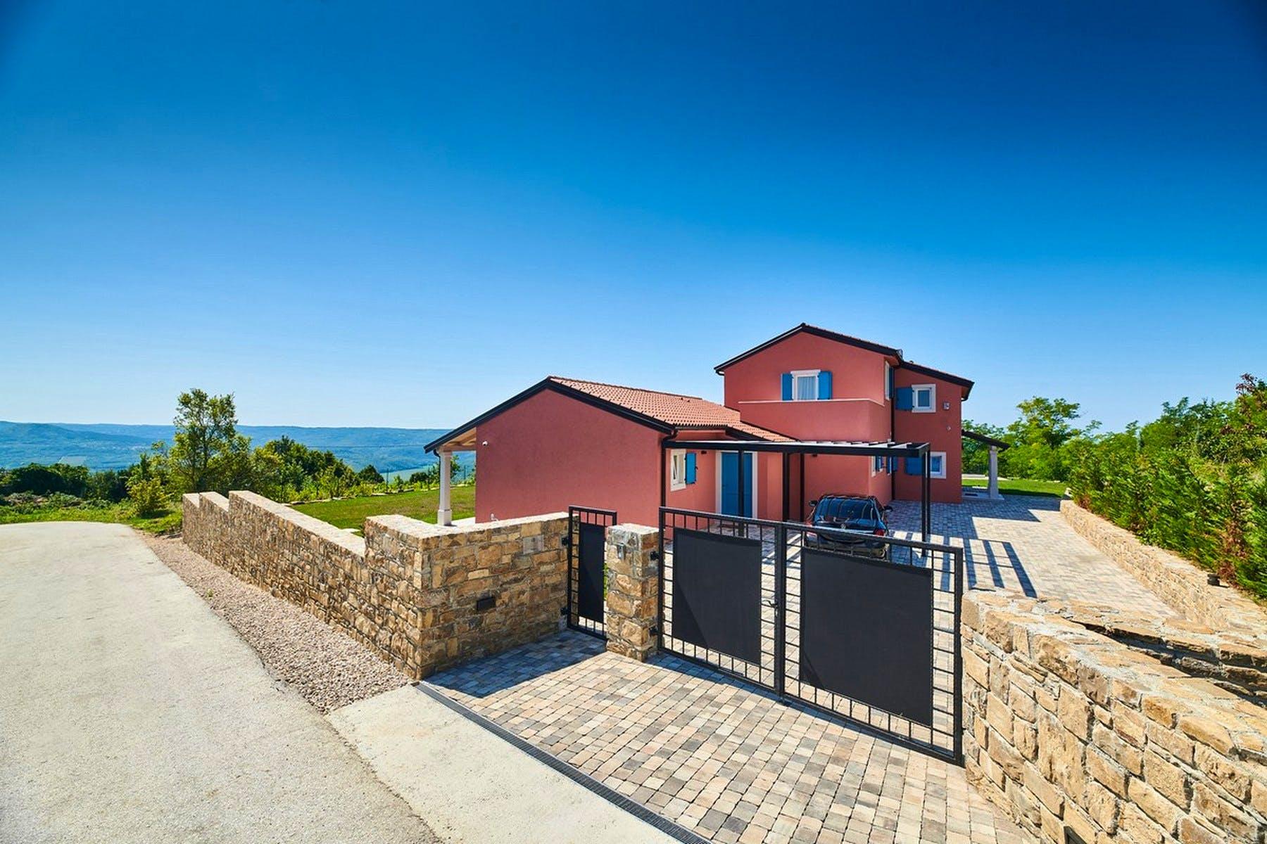 Villa's gate