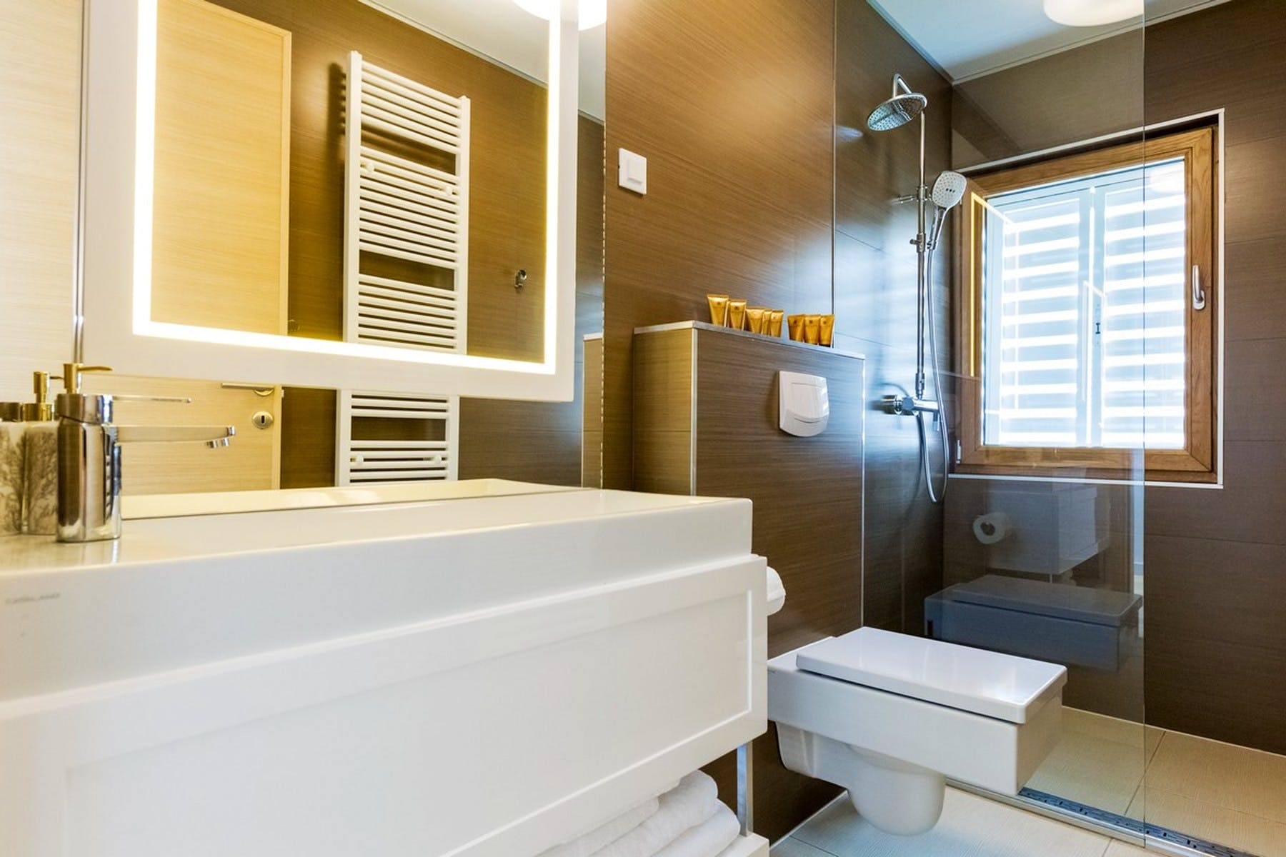 Moderno uređena kupaonica