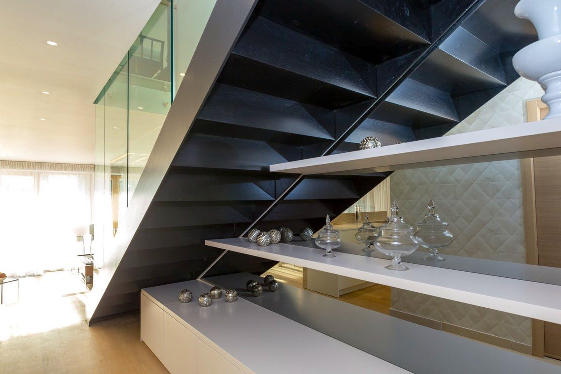 Indoor steps