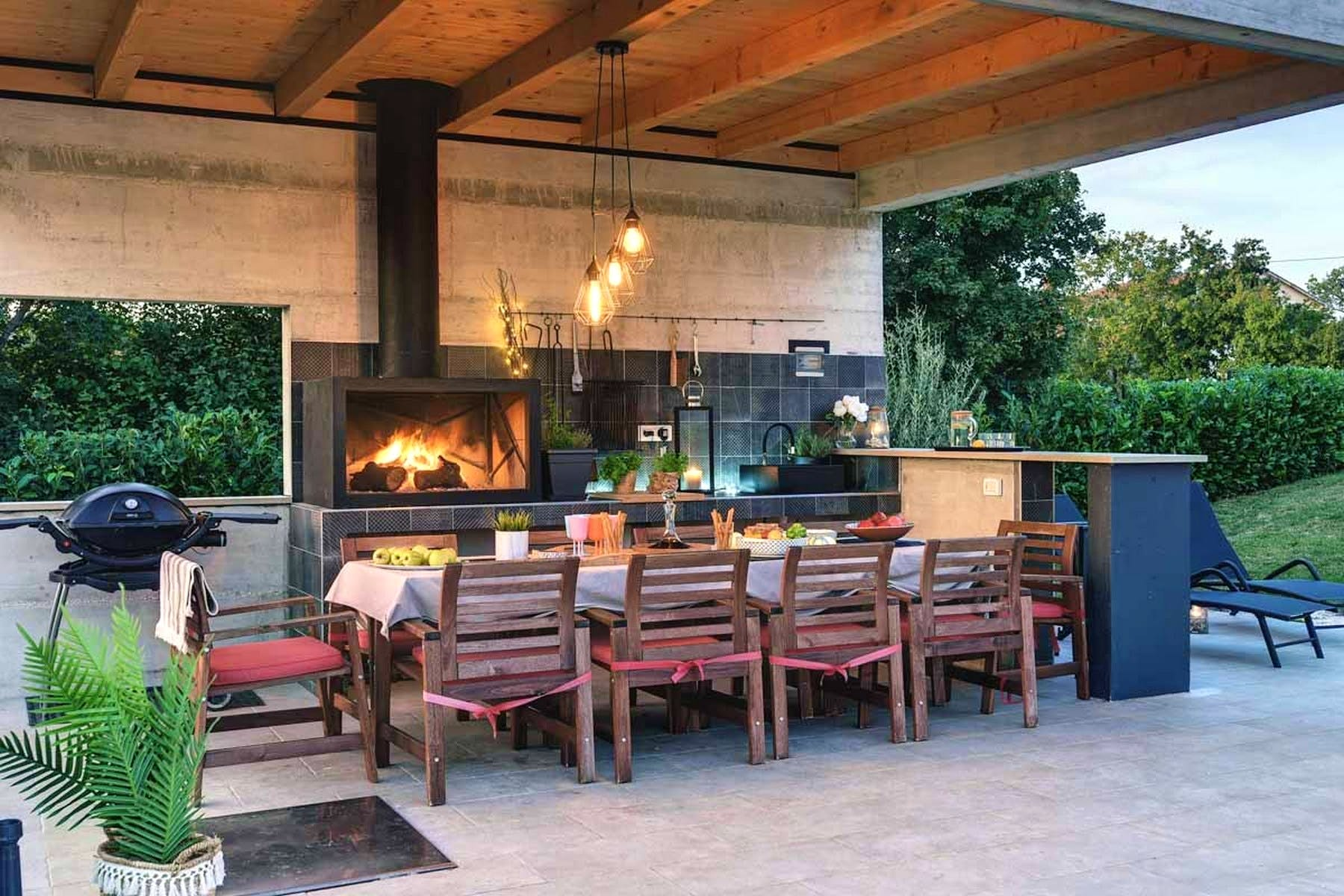 Outdoor lounge and bbq