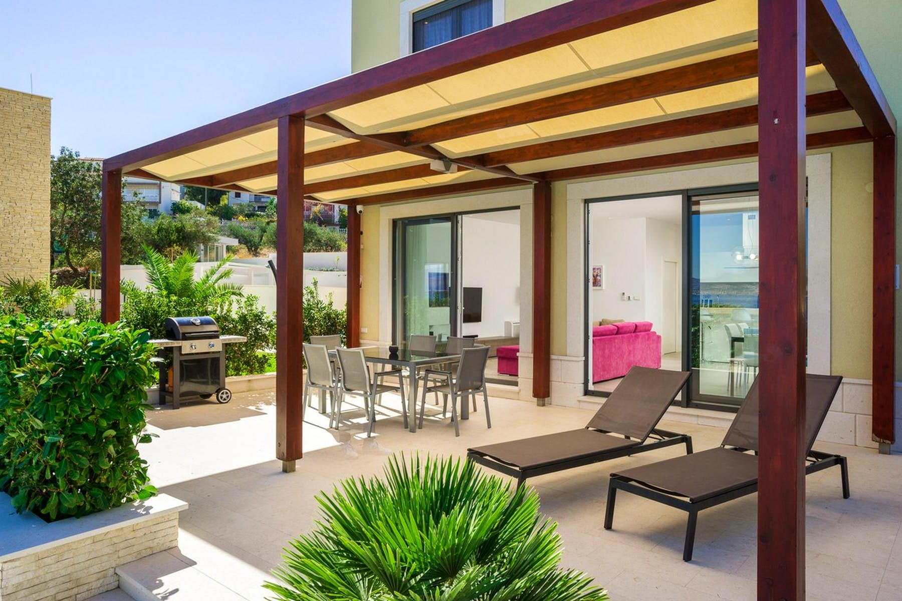 Outdoor sunbathing area