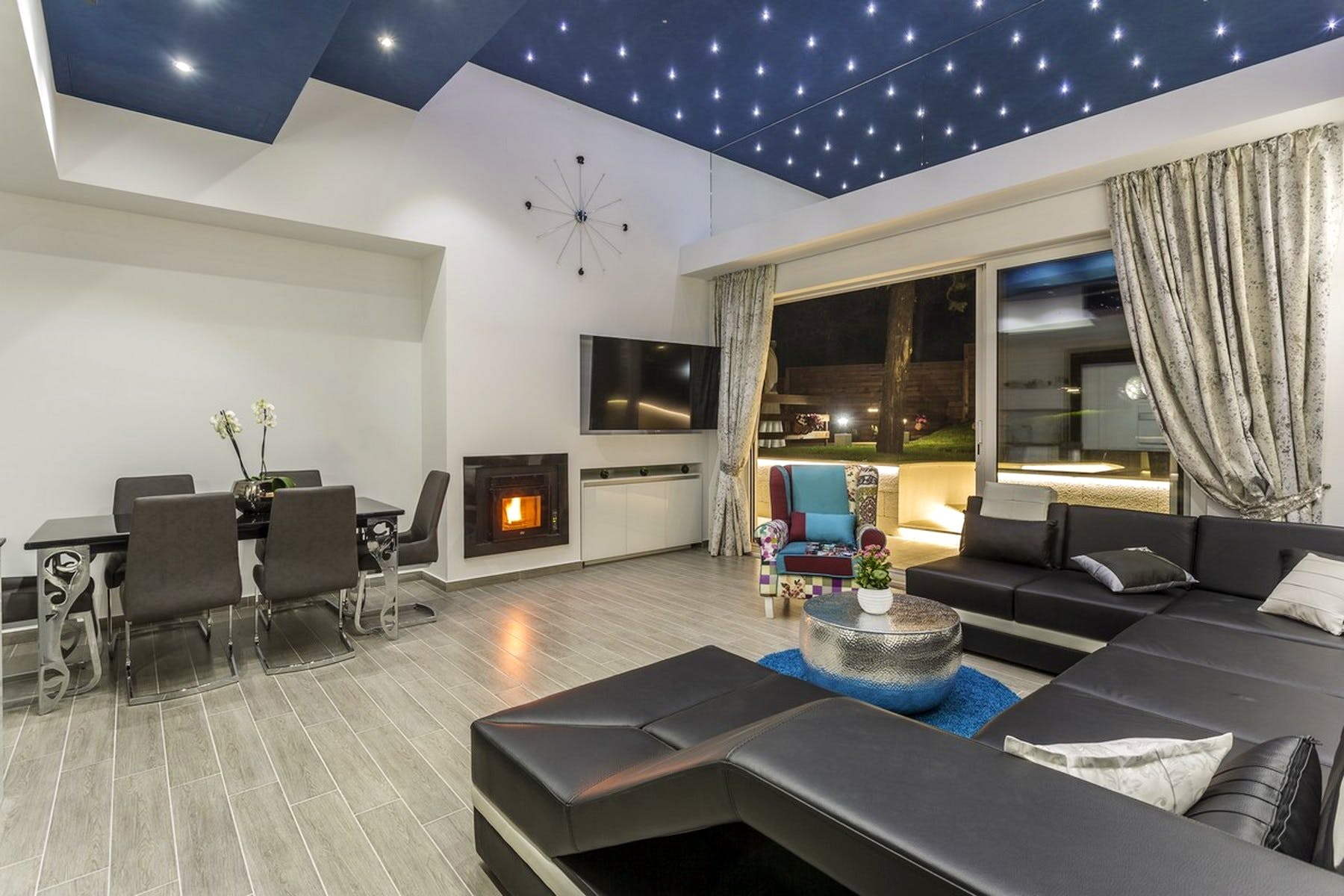 Spacious living room with a fireplace
