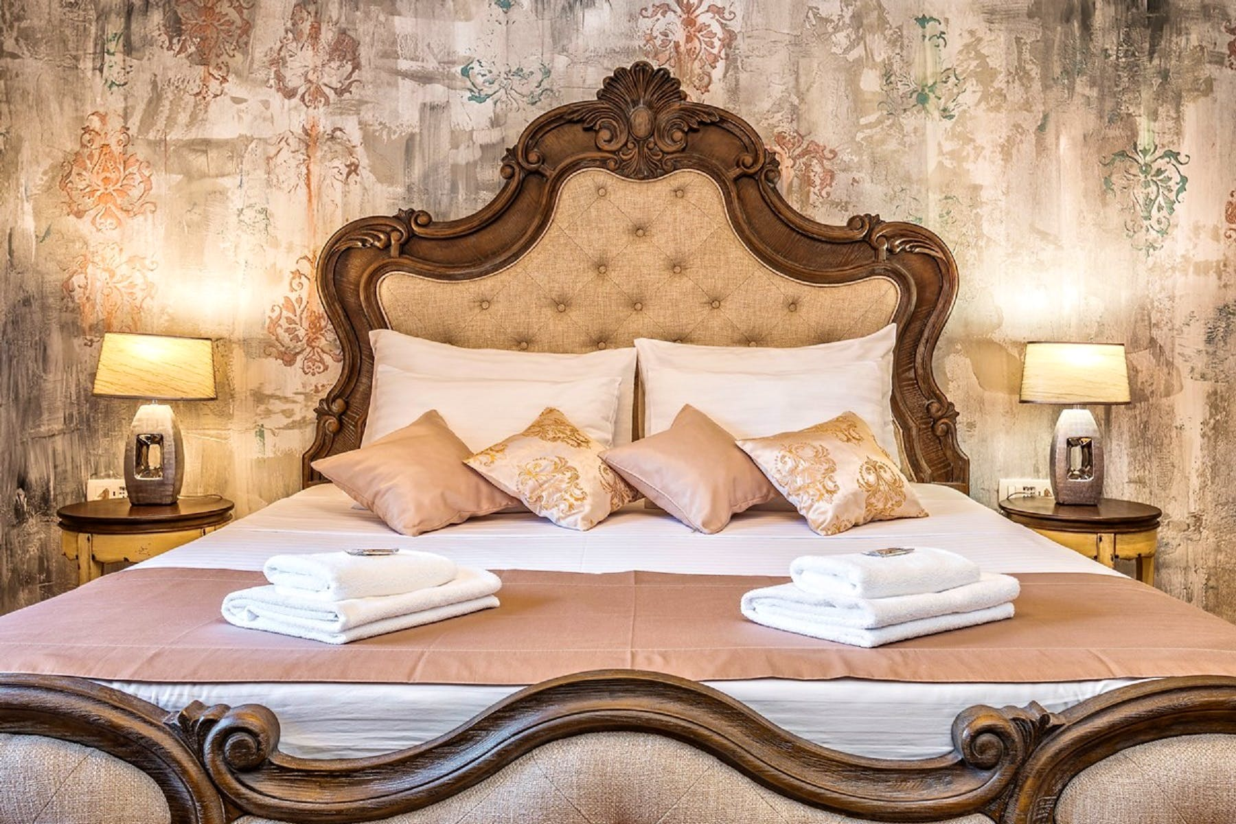 A true royal bed for a good night's sleep