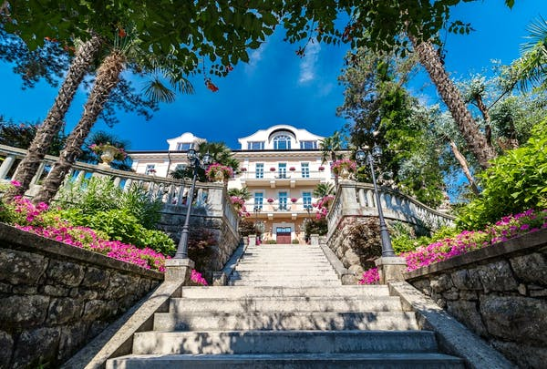 Villa Agata in which the suite is located