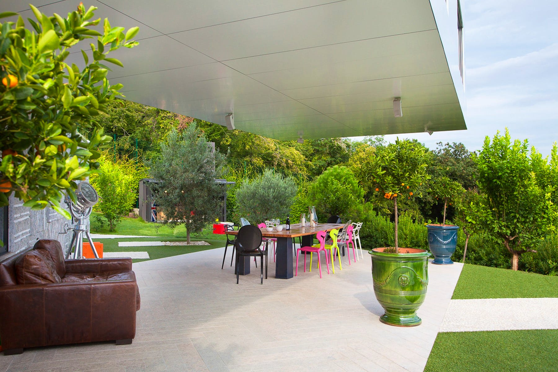 Terrace with an outdoor lounge