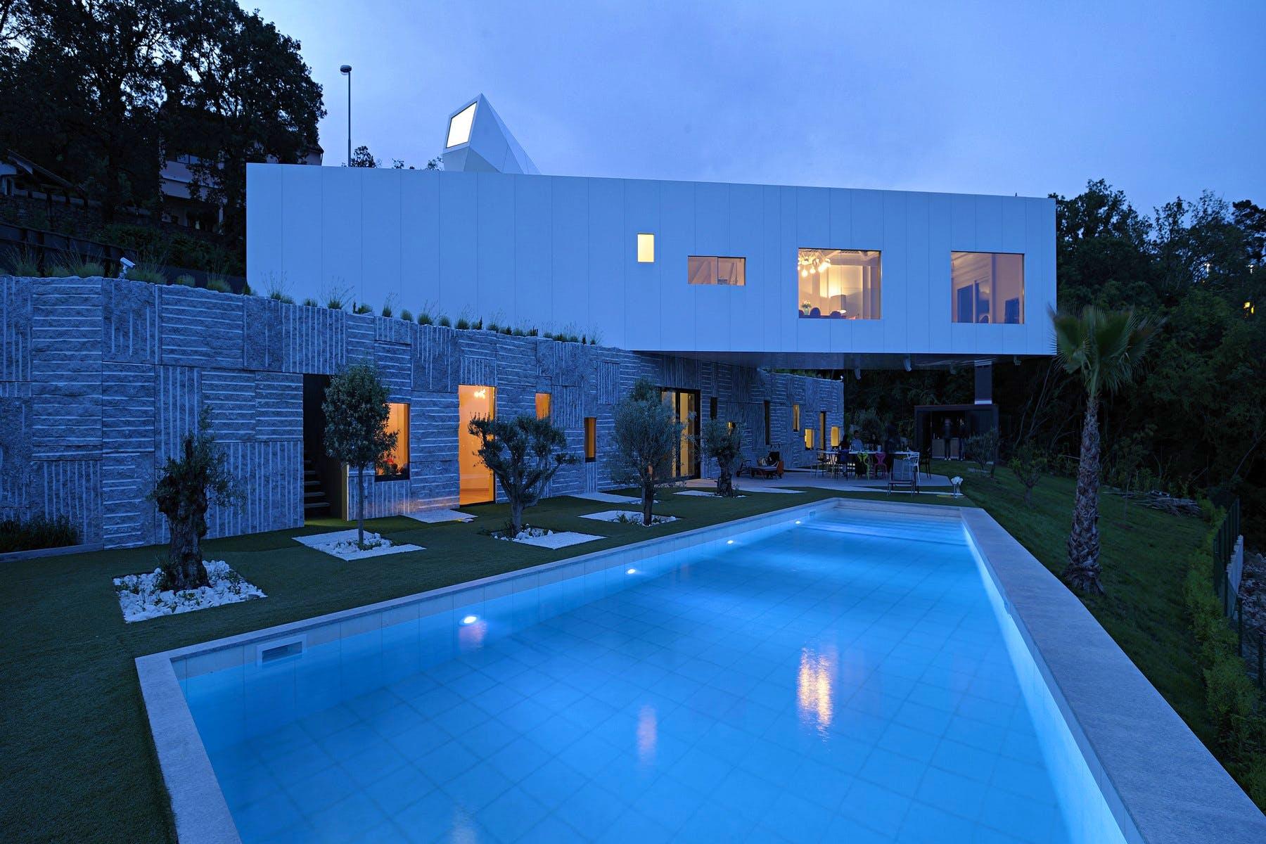 Vila Design noću