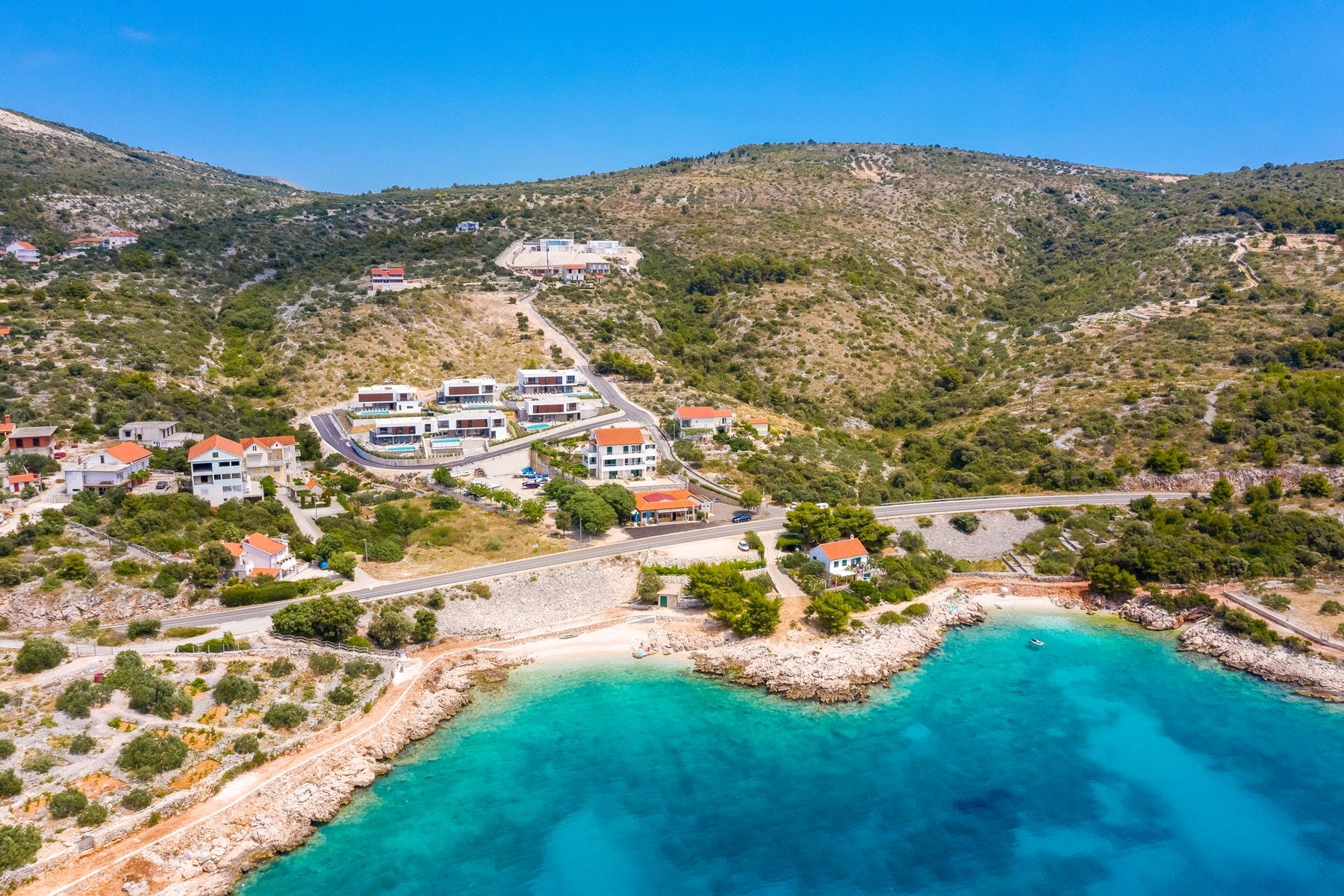 Luksuzan kompleks pored mora
