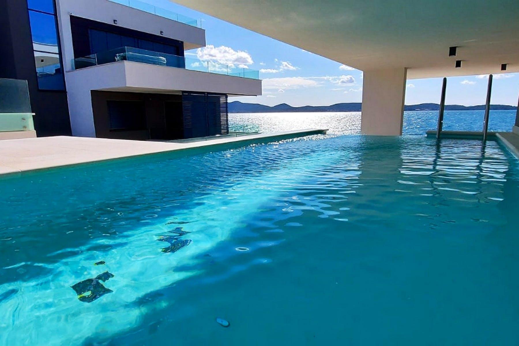 Privatan bazen jednog od apartmana