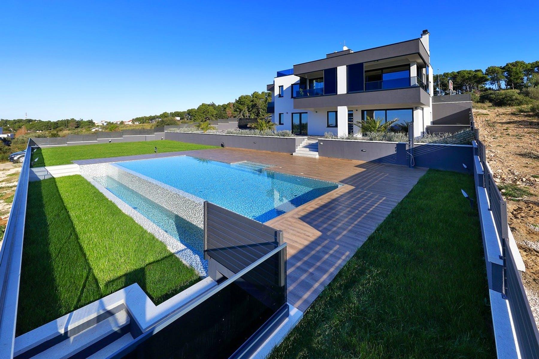 Greenary surrounding the pool