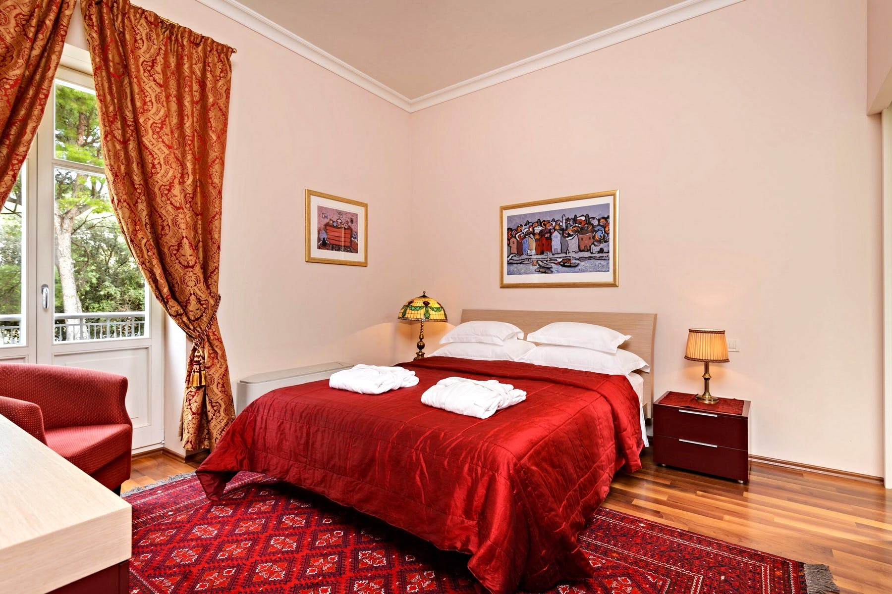 Prostrana spavaća soba s privatnom terasom