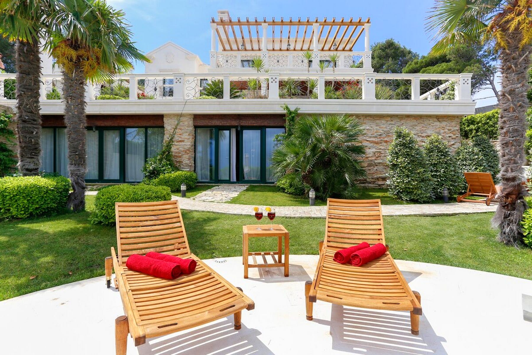 Modern waterfront villa with exclusive amenities