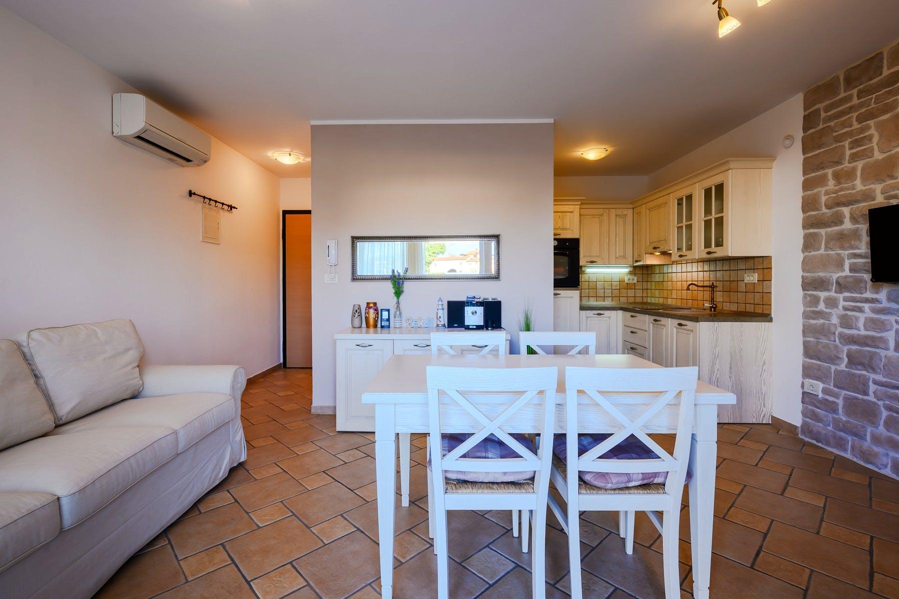 Studio apartman koji se koristi za druženja s prijateljima i obitelji