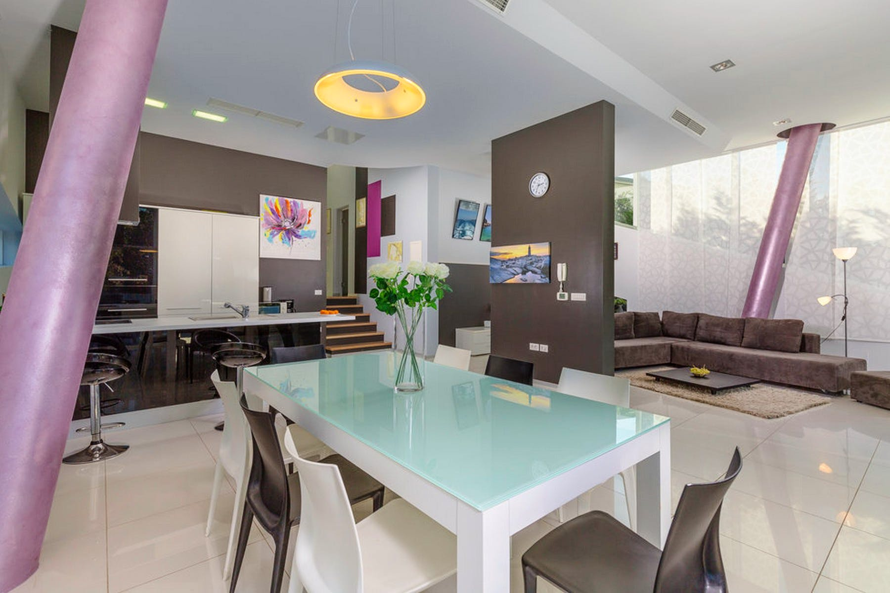 Open plan living area (kitchen and dining room)