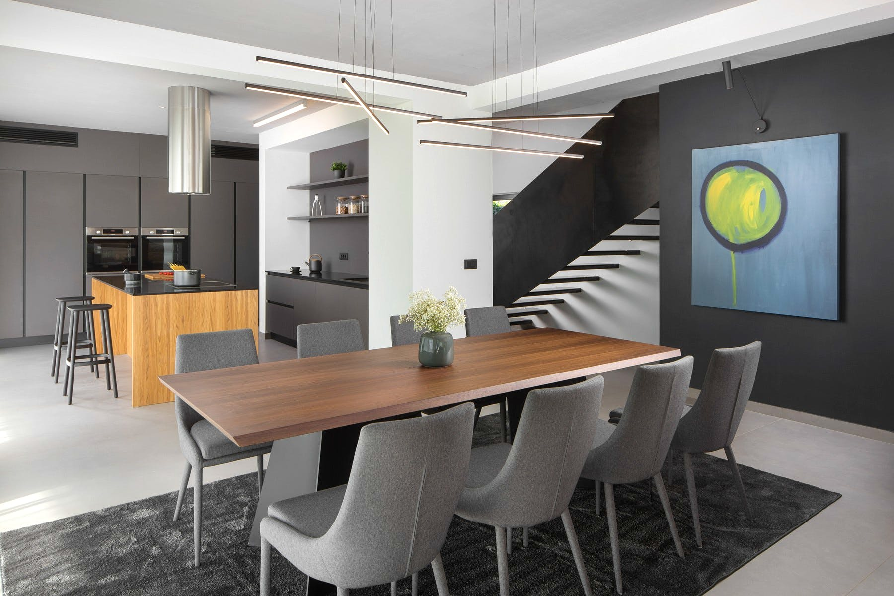 Fully-fitted kitchen with dining area