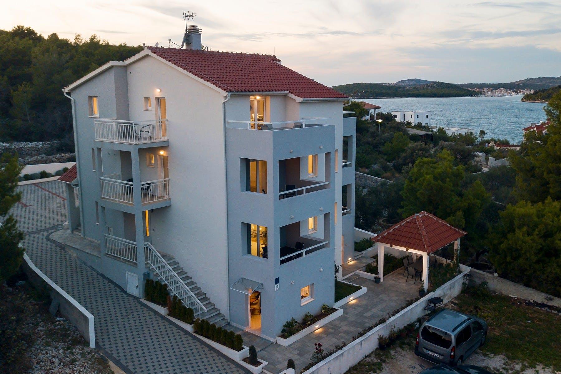 Apartment villa near Rogoznica for sale