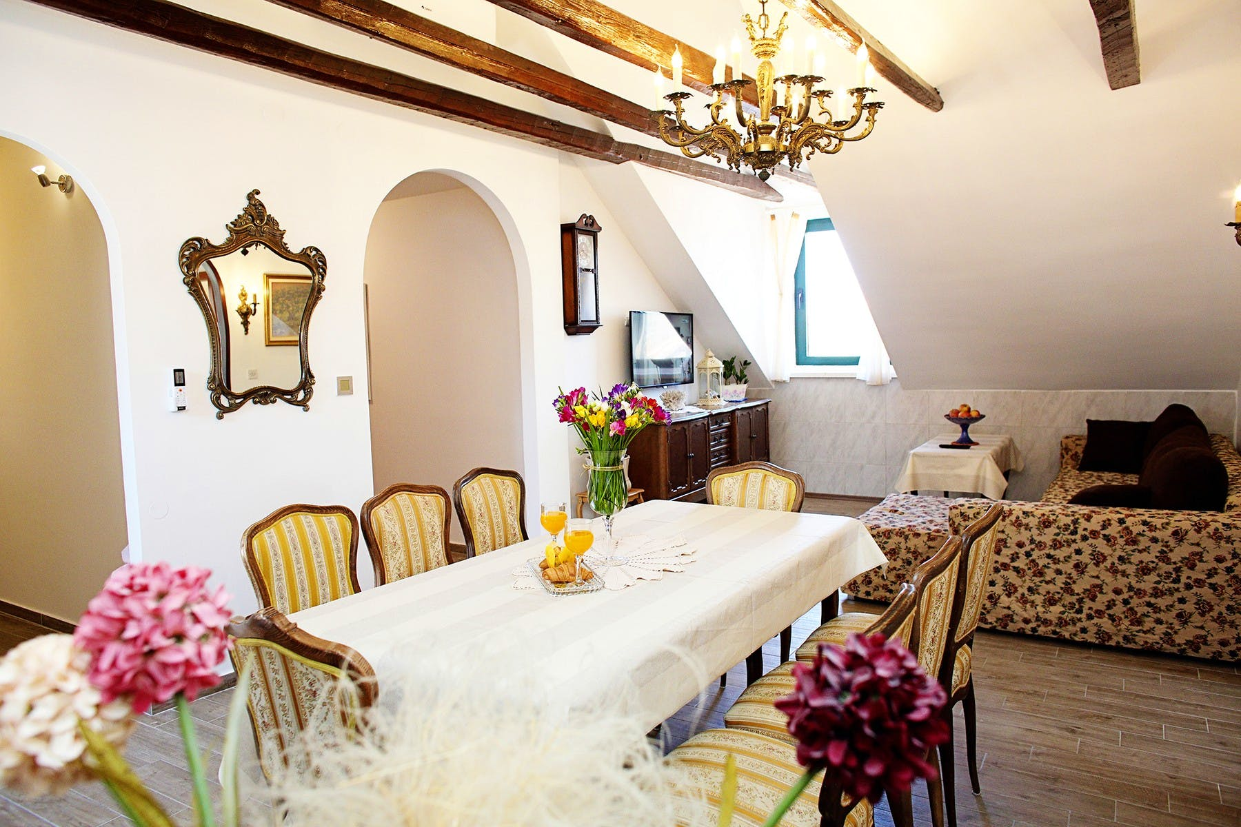 Charming apartment in the hidden attic of the center of Split