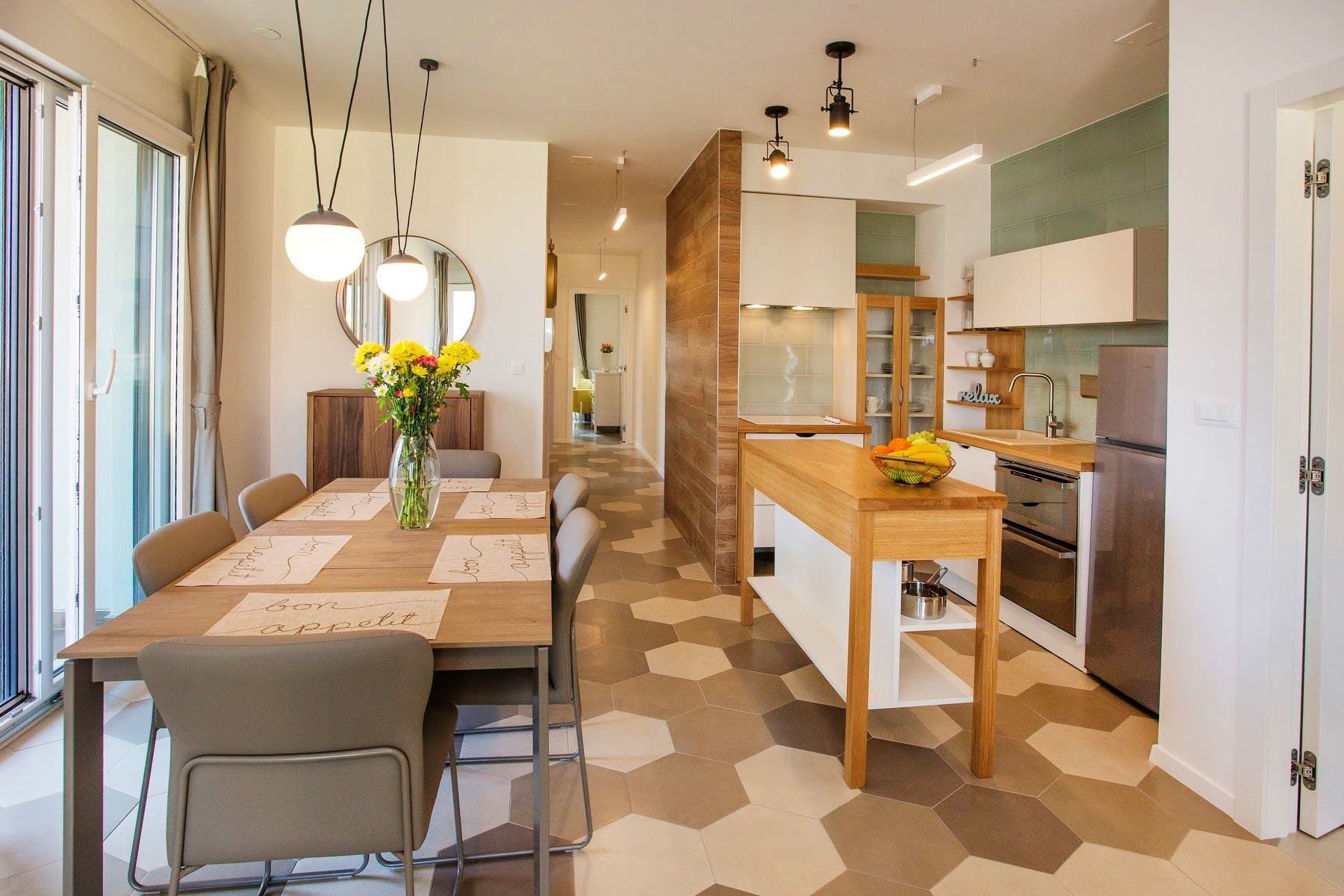 Spacious kitchen and dinig room