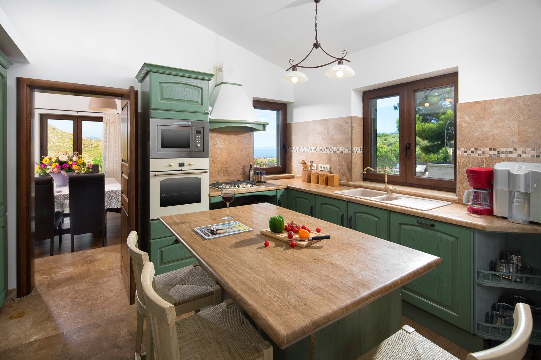 Rustical kitchen with dining area