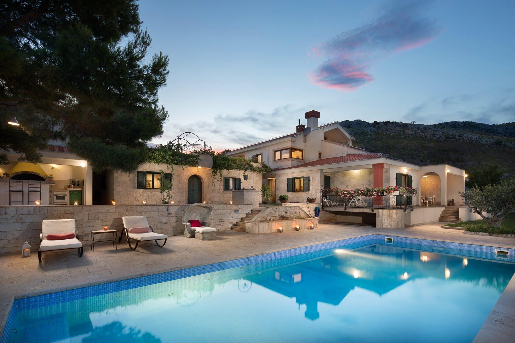 Spacious villa in secluded area near Trogir