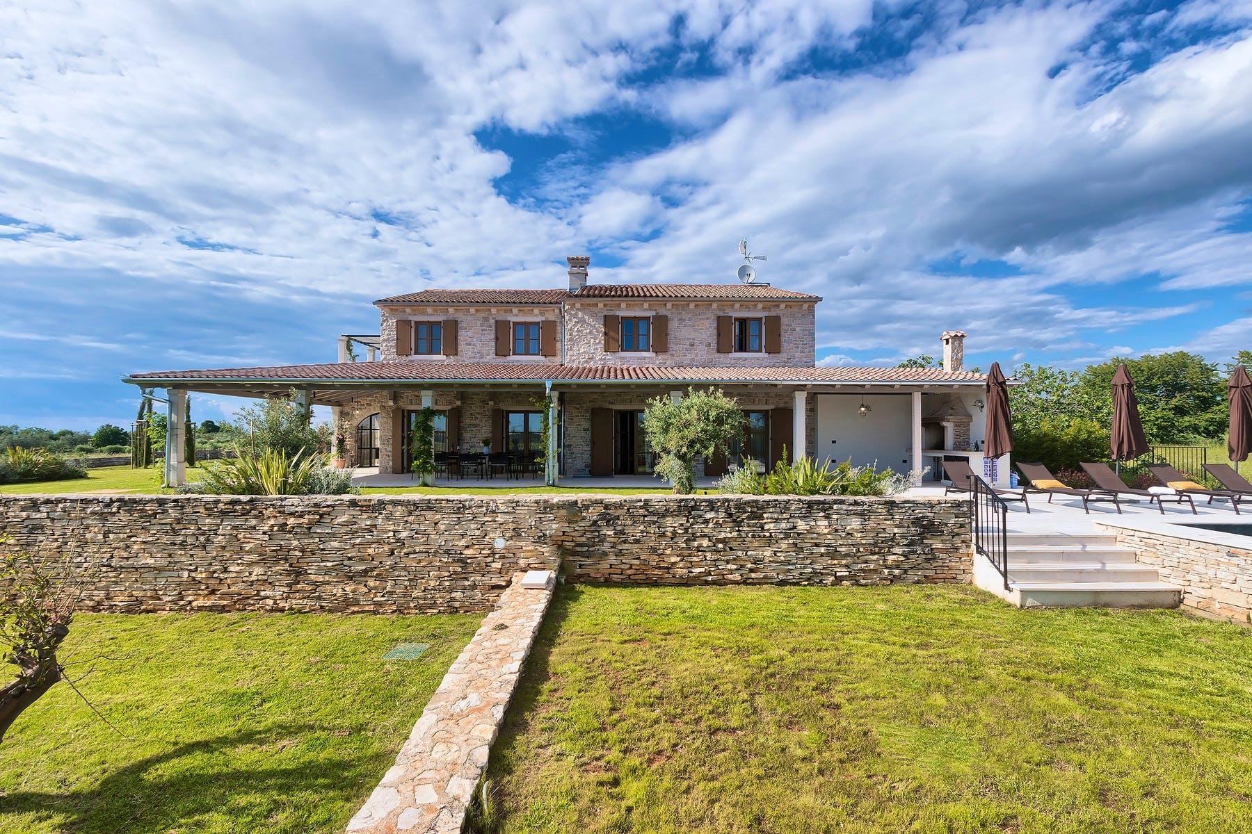 Stone villa on large plot