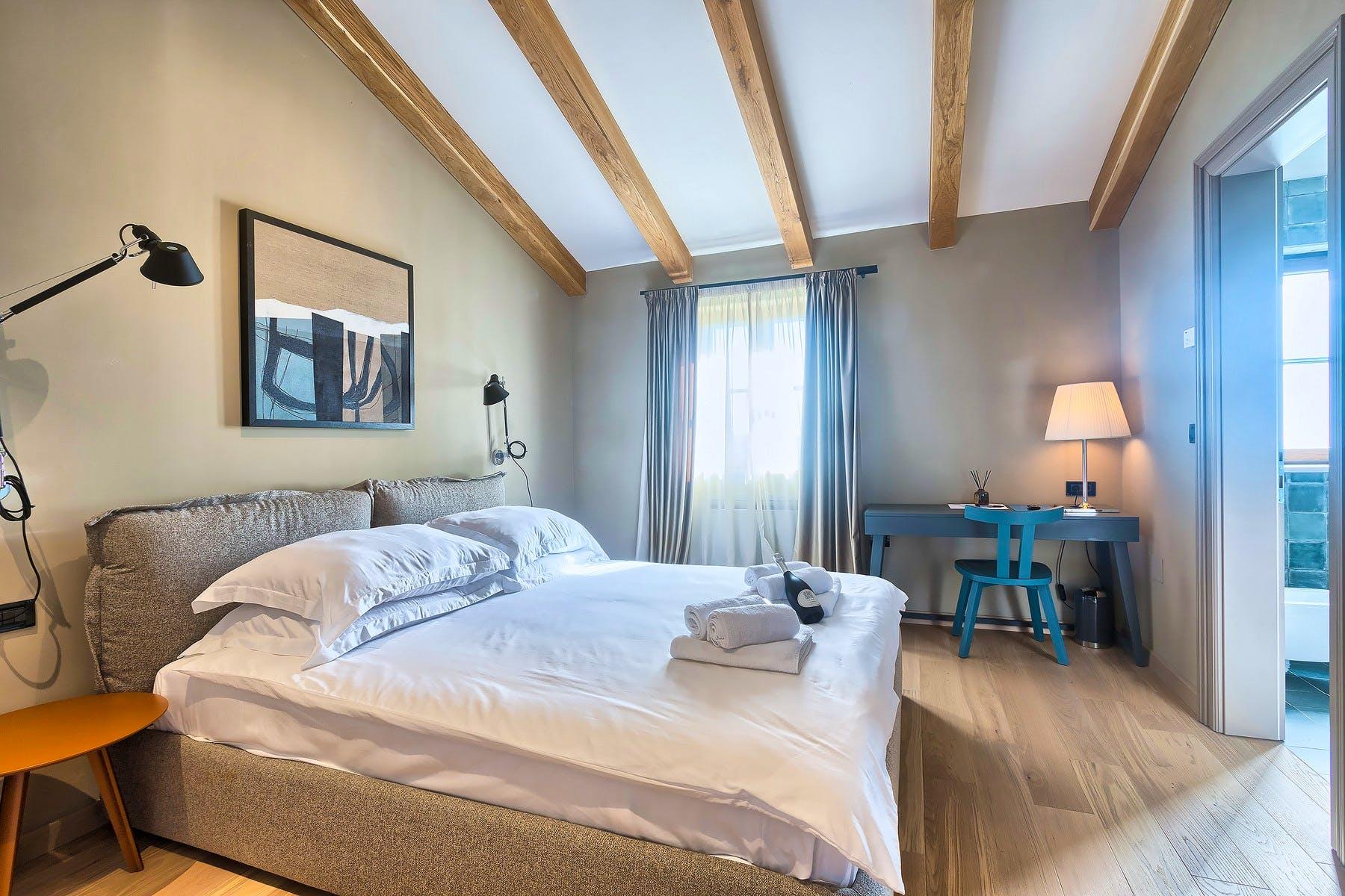 Stilska spavaća soba na gornjoj etaži