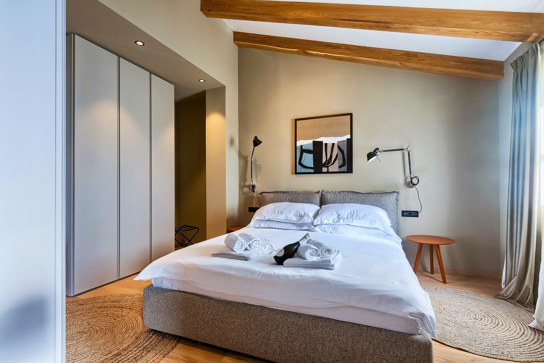 Spavaća soba za dvije osobe s pripadajućom kupaonicom