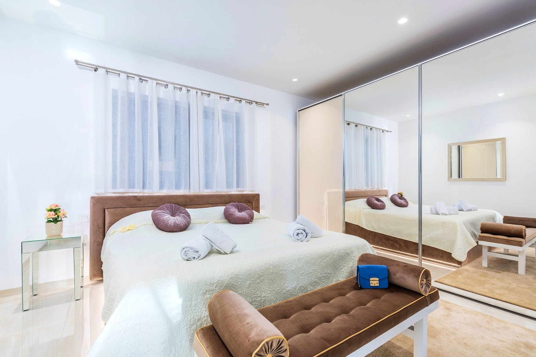 Double bedroom in the villa for rent