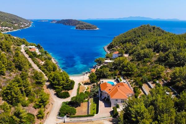 Seafront villa on Korčula for sale