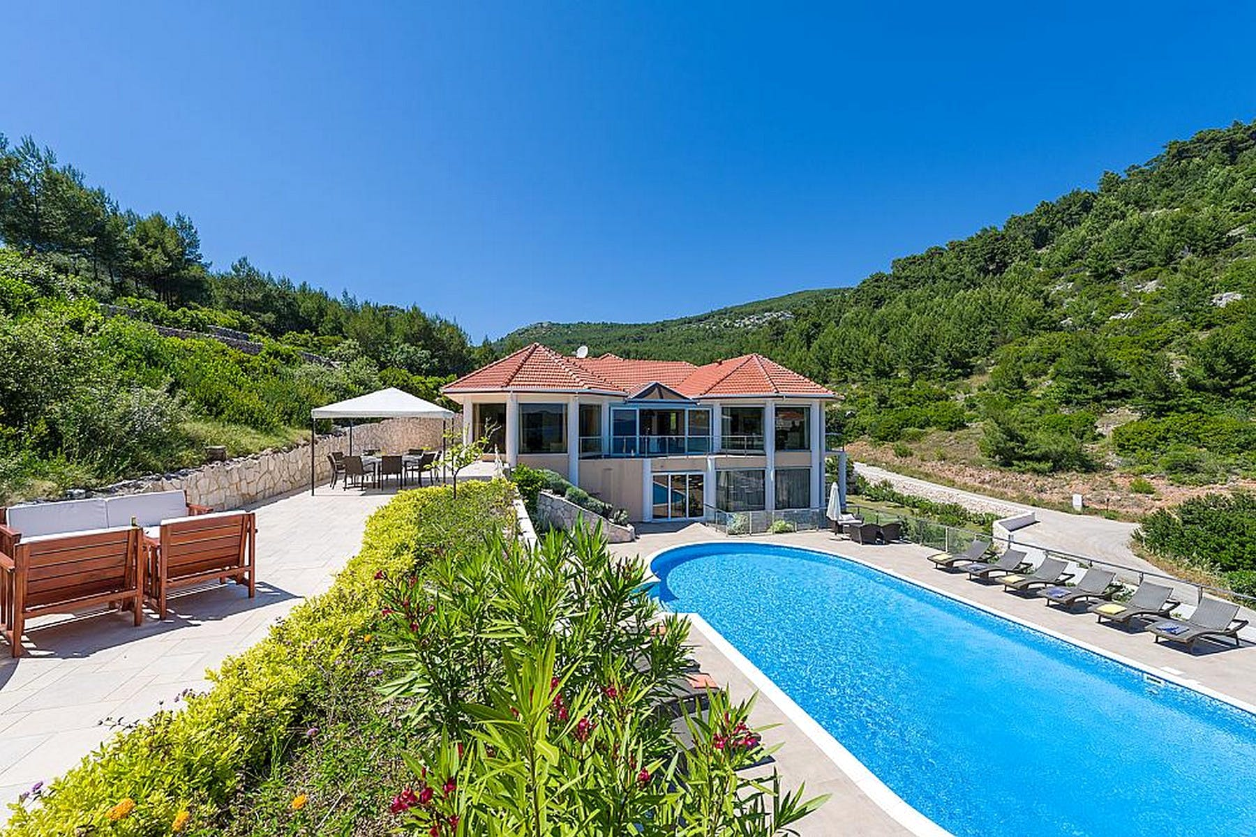 Seafront villa on island of Korčula for sale