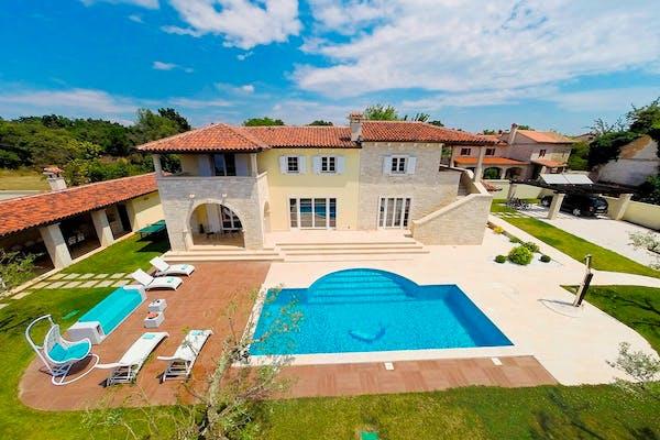 Traditional Istrian villa near Rovinj for sale