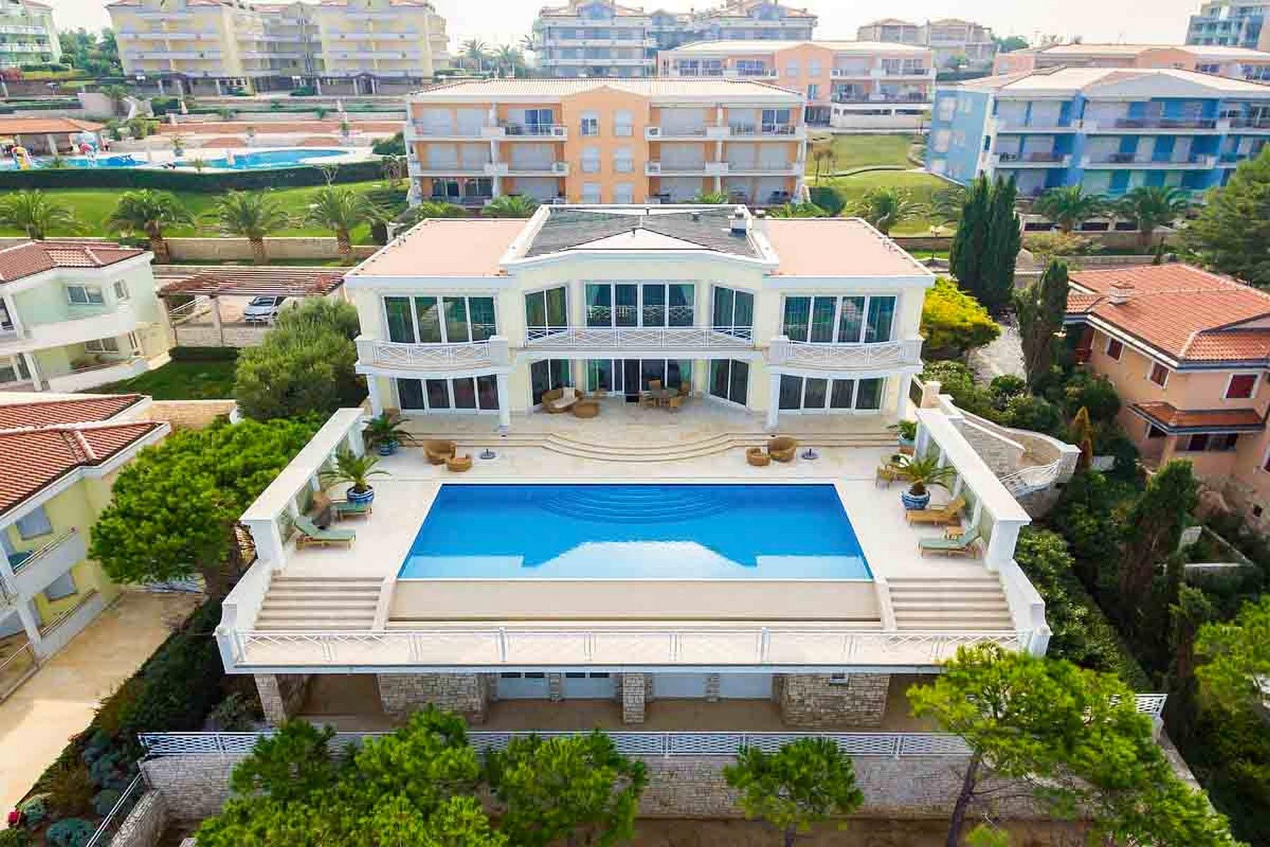 Prodaje se luksuzna vila uz more u Istri
