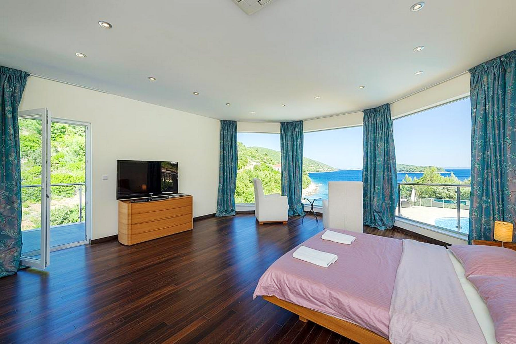 En suite bedroom with sea view