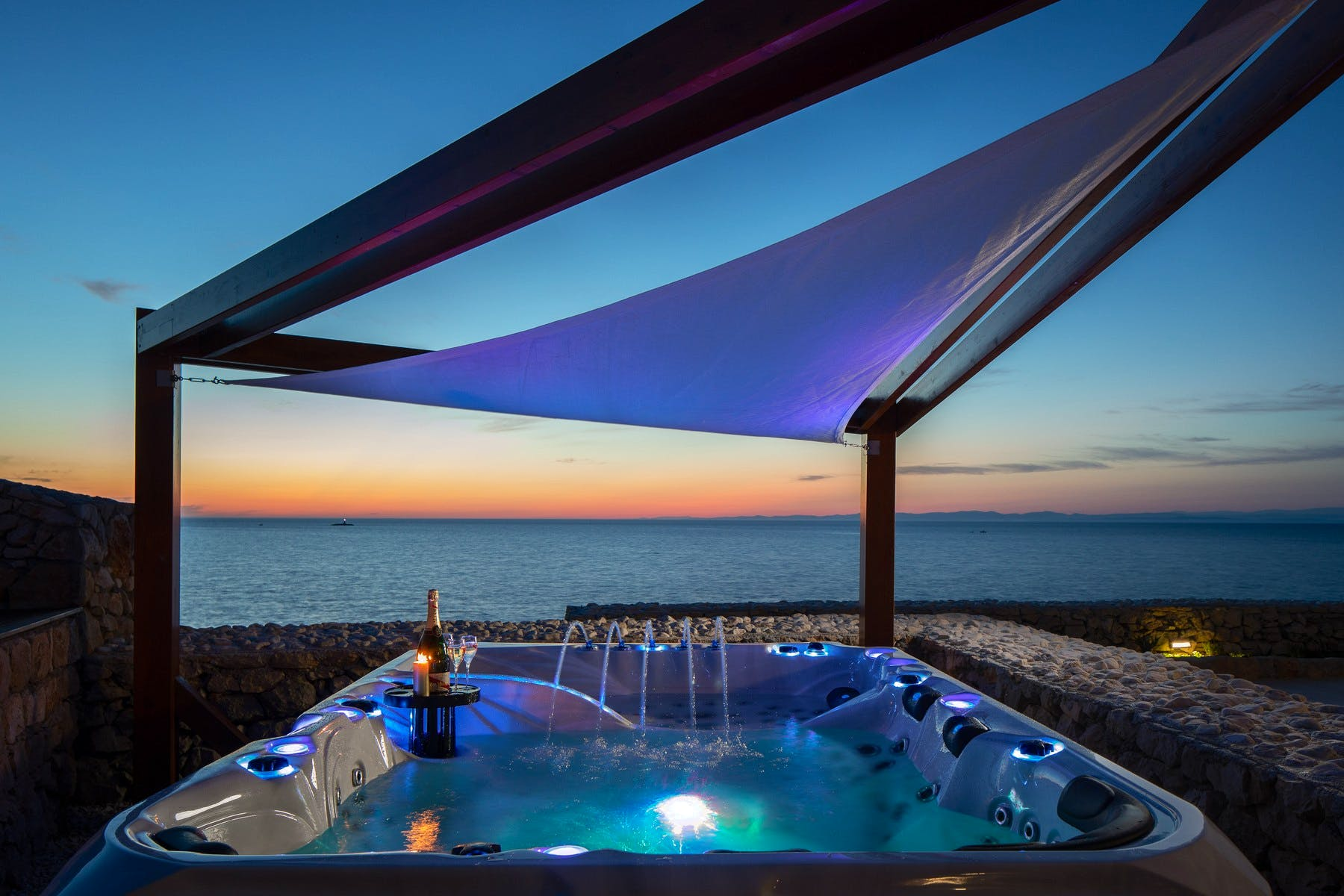 Hot tub in front of the villa