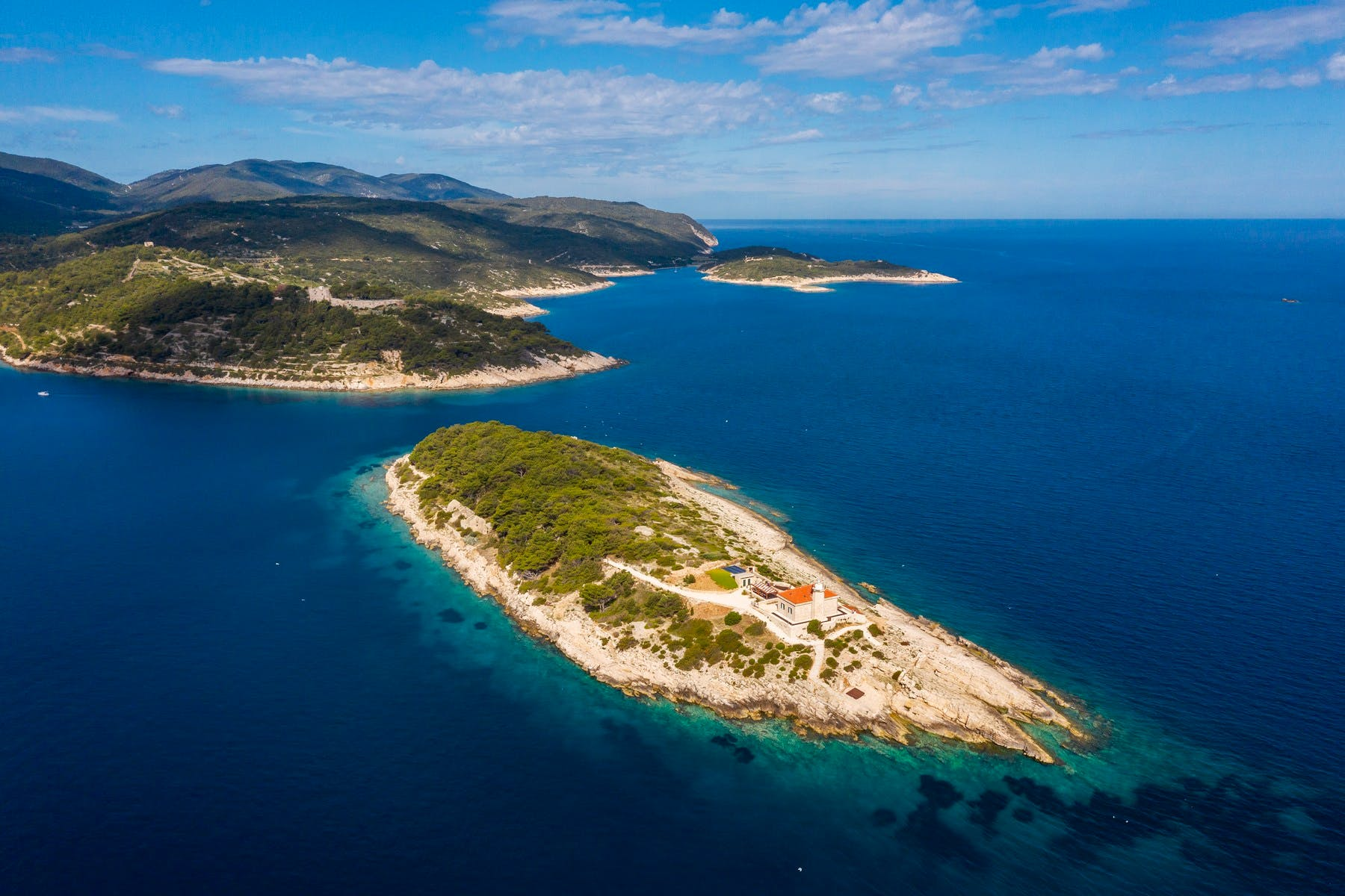 Private islet for rent near the island of Vis