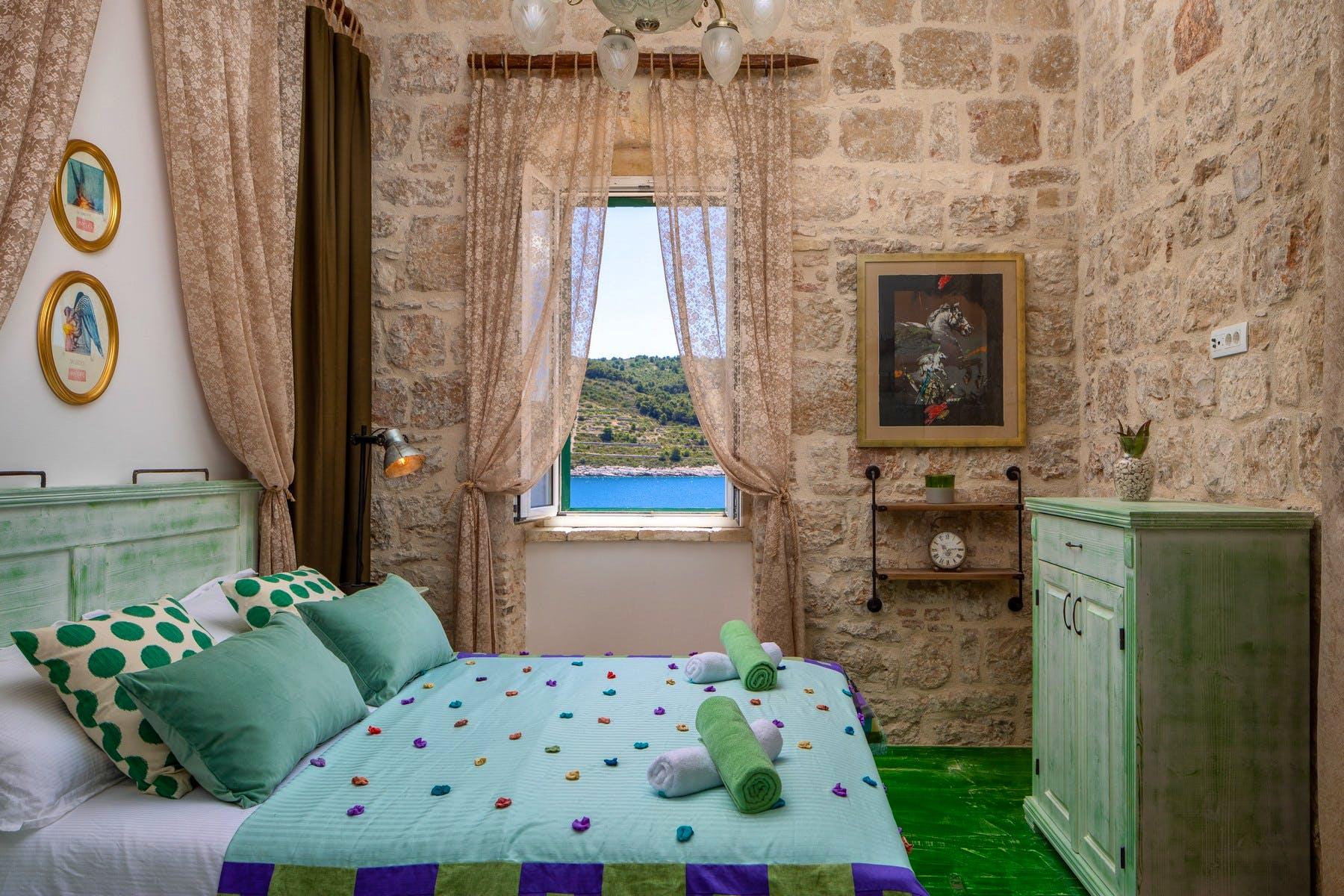 Double bedroom boasting sea view