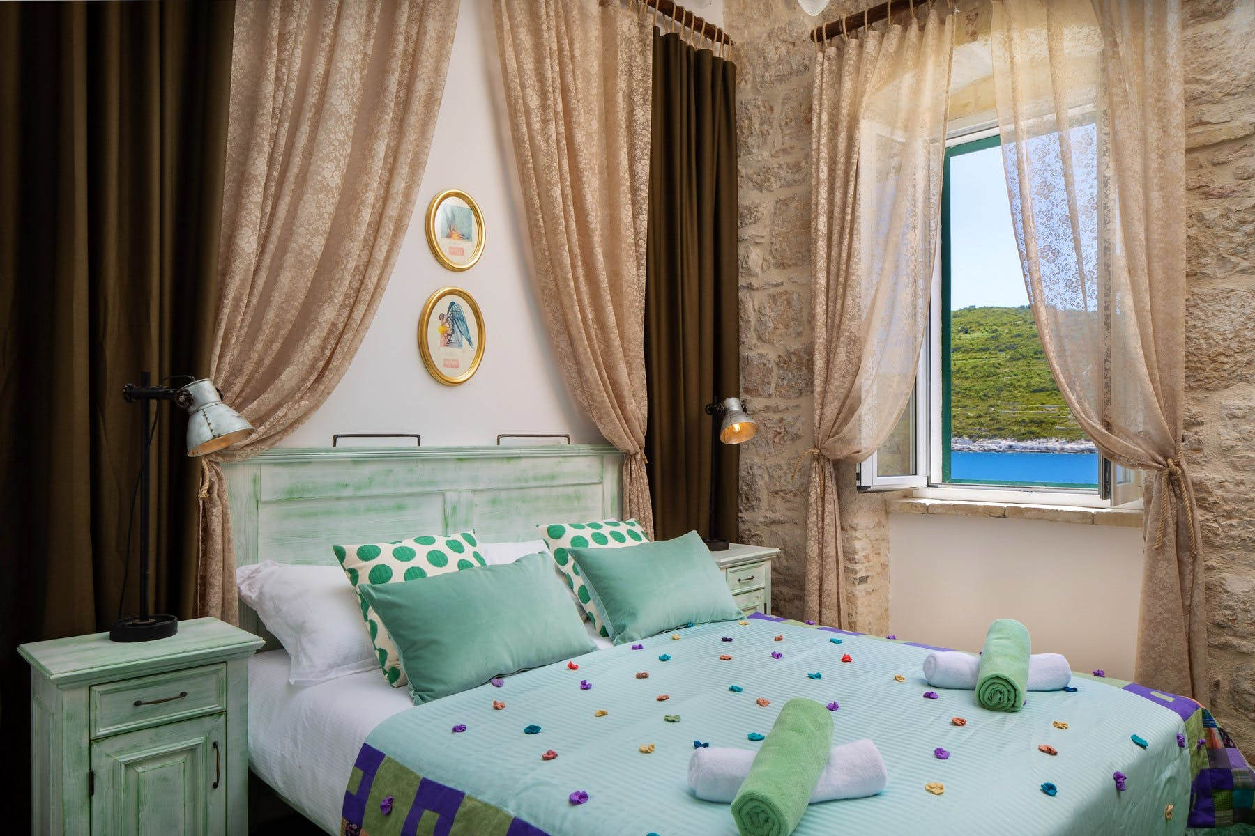 Rustic decor of double bedroom