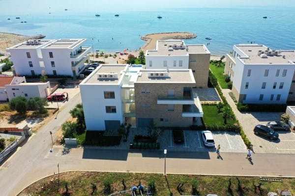 Newly built luxury apartments in the first row to sea near Zadar for sale