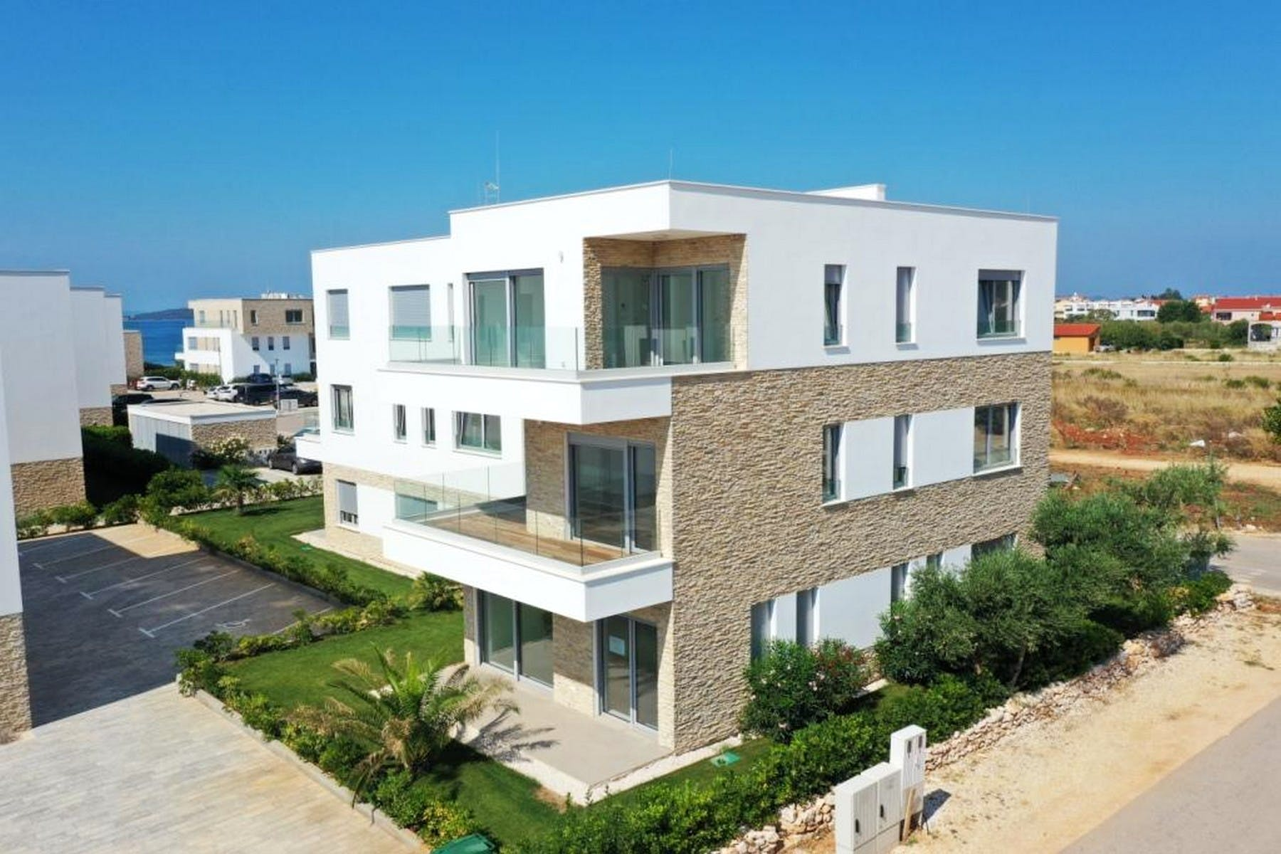 Newly constructed seafront apartments for sale