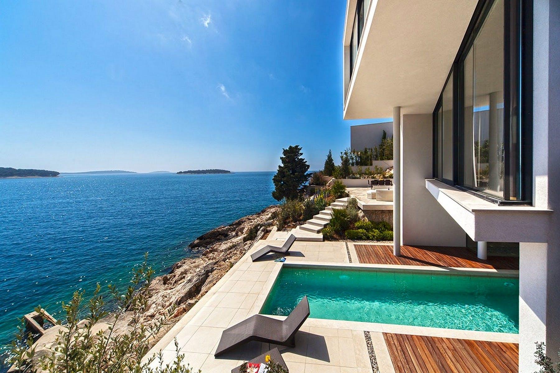 Luxury villas for sale in Primošten